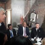 El gobernador Juan Manzur visitó un taller de introducción al trabajo