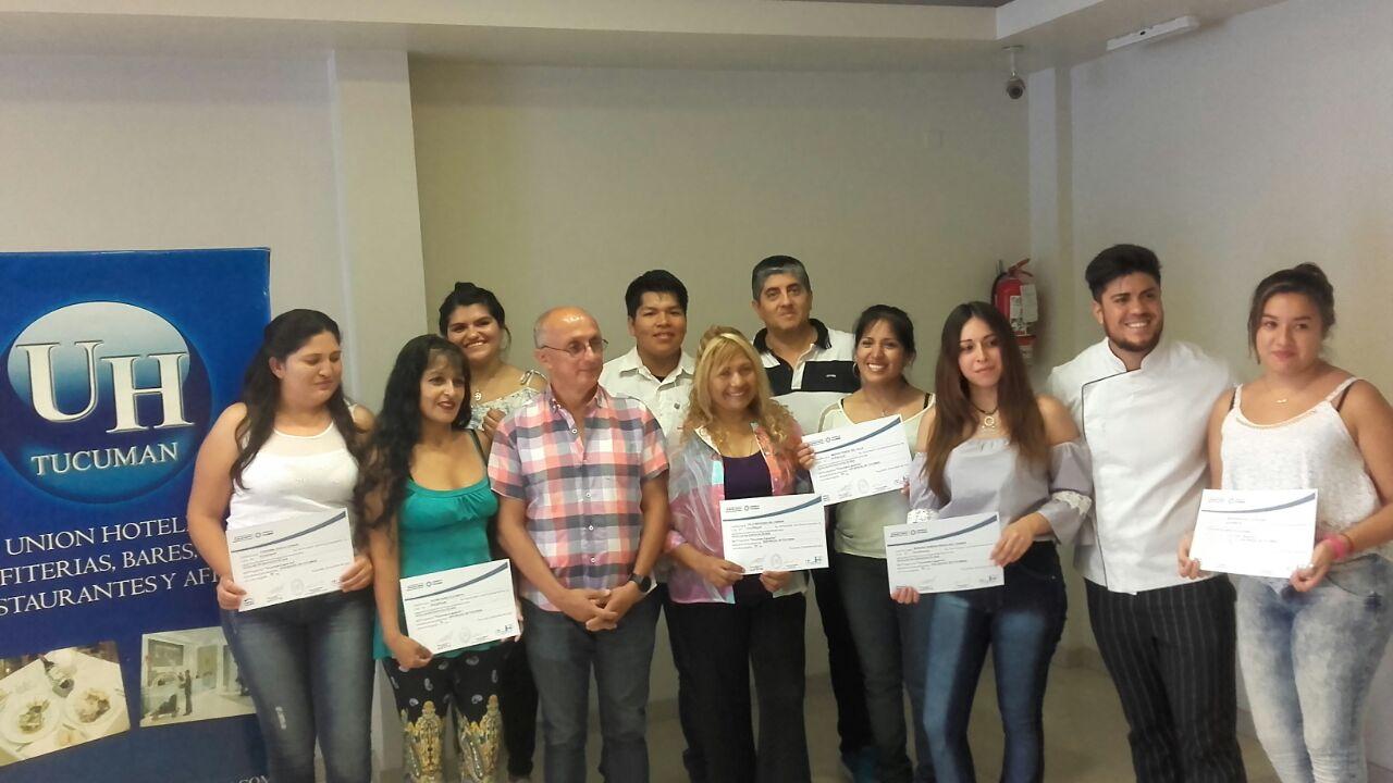 Entrega de certificados de FP en la Unión de Hoteles-Tucumán Capacita