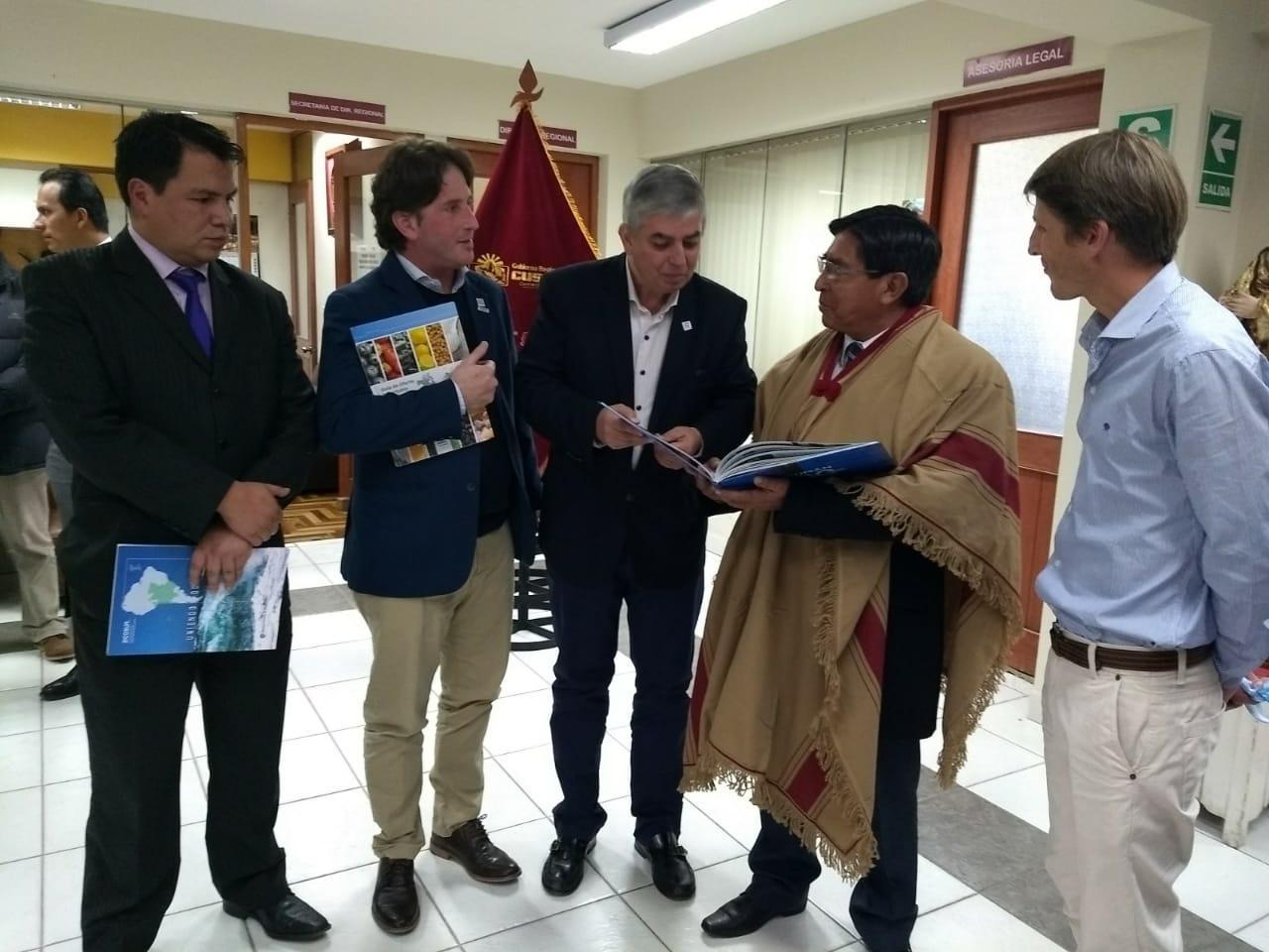 Reunión de trabajo con autoridades de organismos oficiales del Cuzco