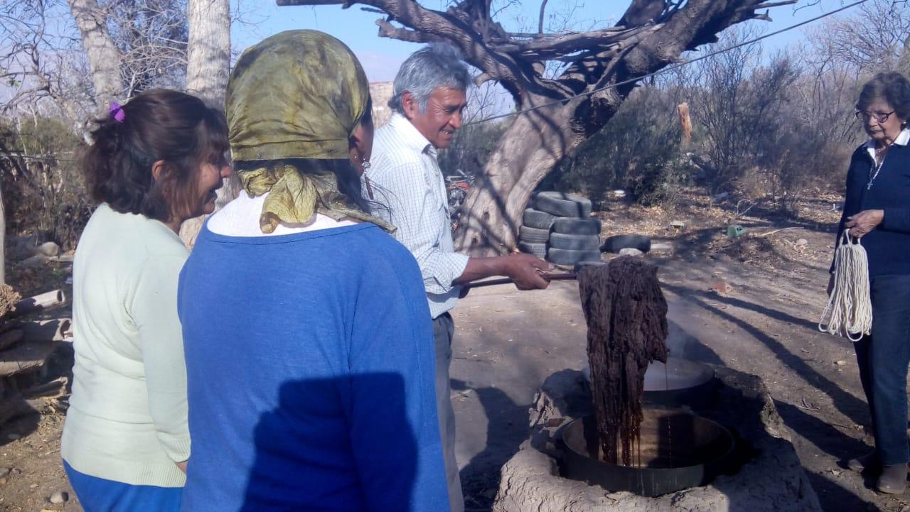 Artesanías en tejido en Amaicha del Valle