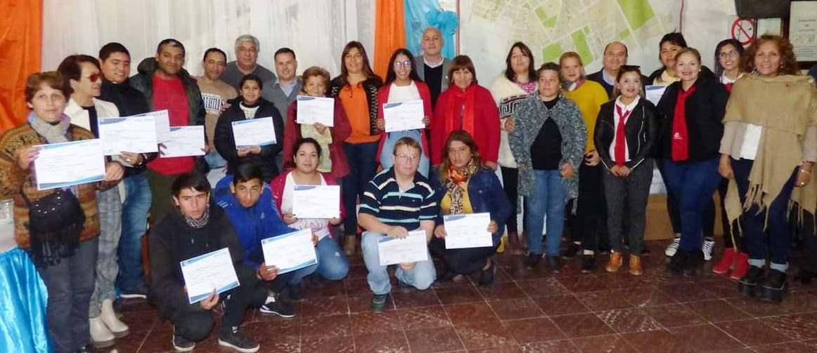 Entrega de certificados en el Municipio de Juan Bautista Alberdi